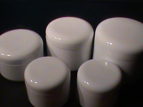 Wall-Plastic-Jars-BAZA-chemipack